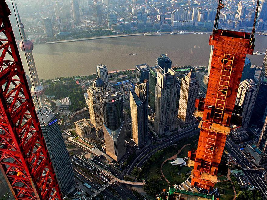 crane-operator-aerial-shanghai-photos-wei-gensheng-12