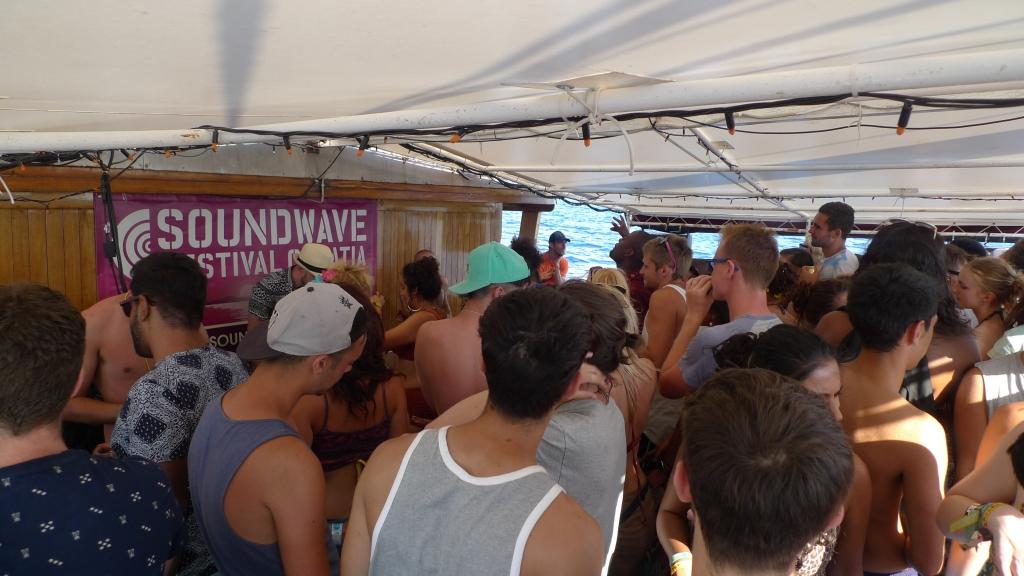 Soundwave boat party2