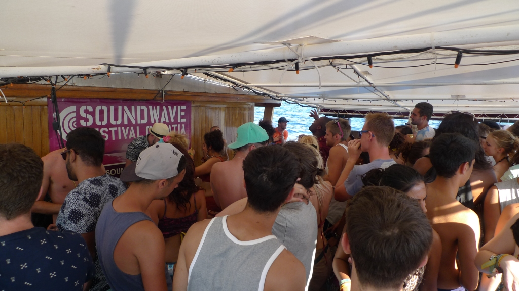 Soundwave boat party2