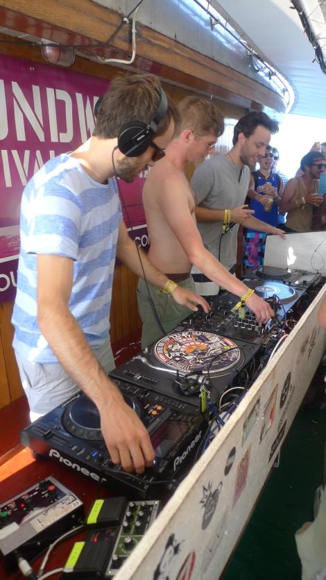 Soundwave boat party 4