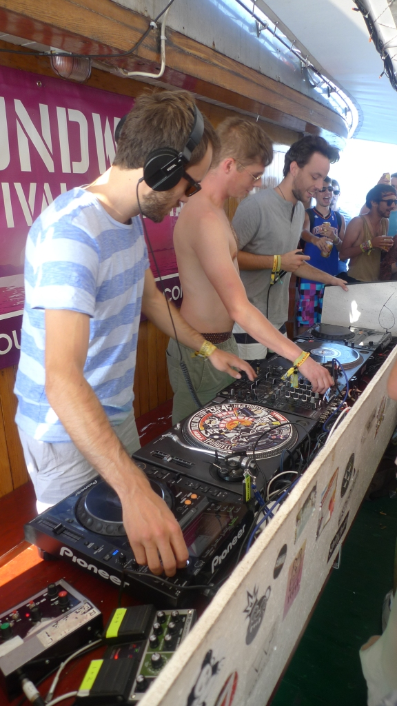 Soundwave boat party 4