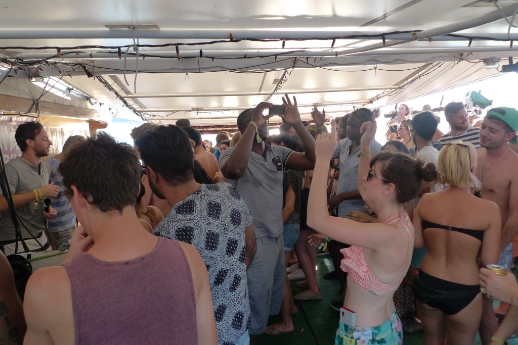 Soundwave boat party 3