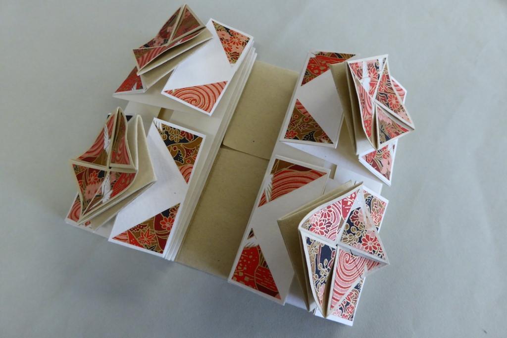Lori Sauer Zhen Xian Bao Chinese Thread BookBookbinding 36
